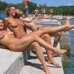 bikiniboob:Crazy Beach Girls